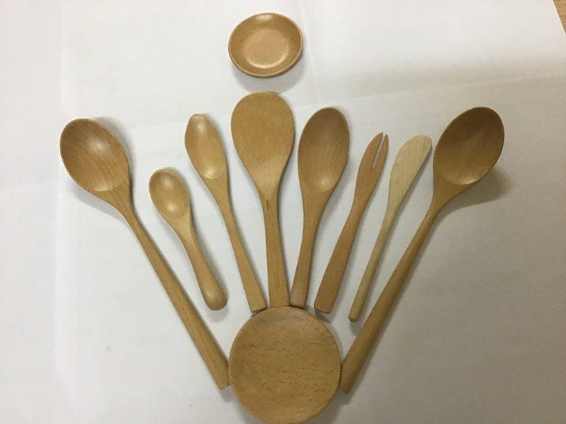 Bộ dụng cụ ăn bằng gỗ